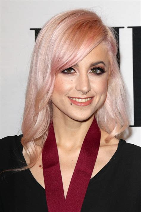 carah faye carah faye charnow wavy pink hairstyle steal her style