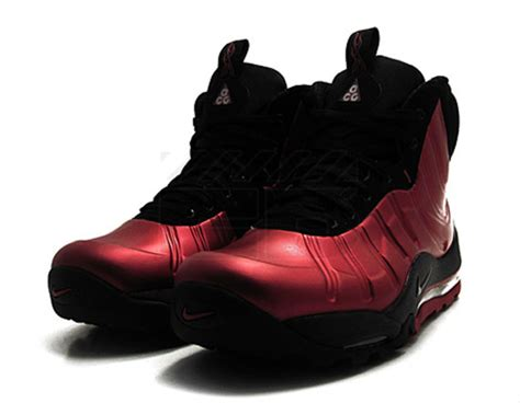 nike acg bakin posite boot cranberry available