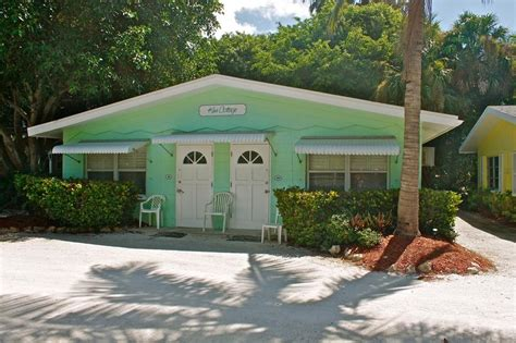 beachfront cottages sanibel island waterside inn on the a