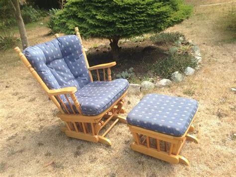 oak glider rocker with ottoman oak glider rocking chair and gliding ottoman saanich victoria