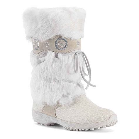 white fur snow boots www imgkid the image kid has it