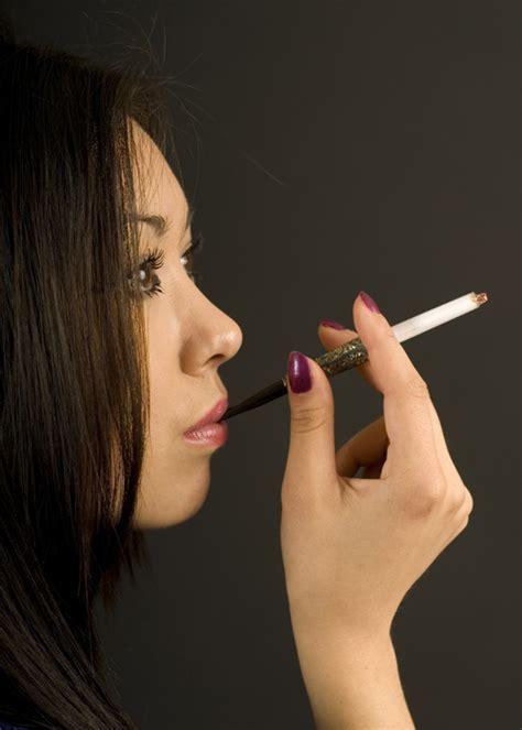 youtube search 1940s elegance short elegant 1940 s cigarette holder ba566 struts