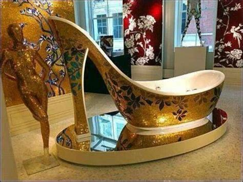 high heel bathtub shoe shaped tub think out of the box pinterest
