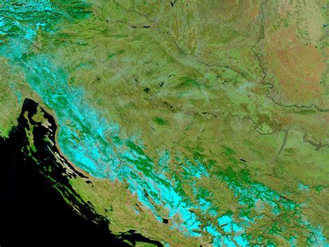 imagenes satelitales falso color mapa de croacia antes de las inundaciones falso color