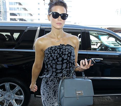 Kate Beckinsdale With Valentino Historie Purse by Kate Beckinsale Travels Like A With A Dolce