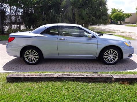 Pictures Of 2013 Chrysler 200 2013 chrysler 200 pictures cargurus
