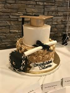 maroon and white graduation decorations 25 best ideas about graduation cake on