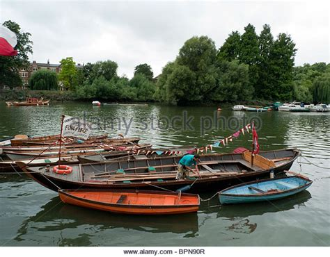 thames river boats richmond richmond thames boat stock photos richmond thames boat