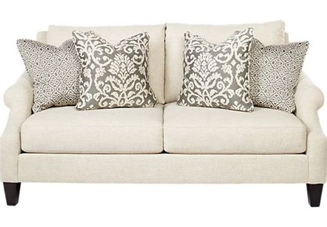 rooms to go isofa shop for a regent place loveseat at rooms to go find sofas that will look great in your home