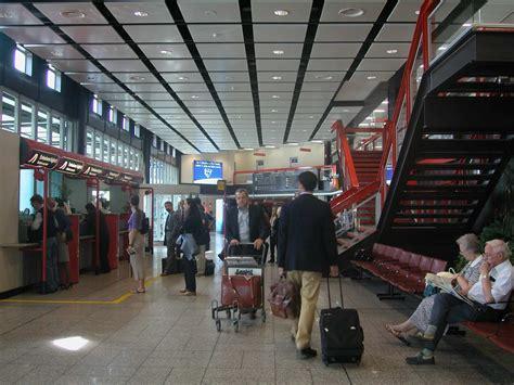 arrivi porto di genova aeroporto di genova traffico in aumento passeggeri in
