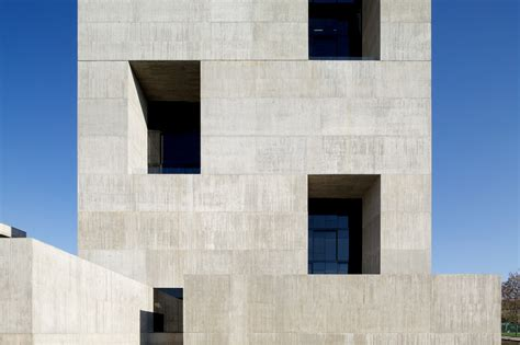 Elemental Architecture gallery of innovation center uc anacleto angelini