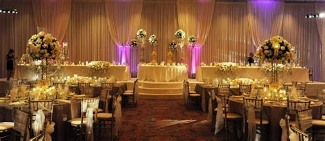 Head Table Designs   Wedding Flowers and Decorations