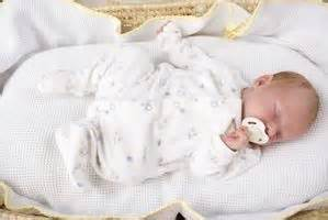 How To Transition Baby From Bassinet To Crib by How To Move A Baby From A Bassinet To A Crib Ehow