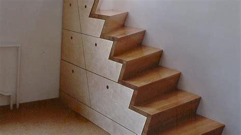 Regal Als Treppe Nutzen by Einbauschrank Unter Der Treppe So Nutzen Sie Den Raum Am