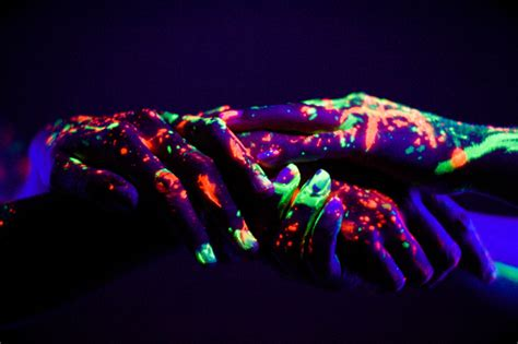 These Neon Lights Show neon lights beautifully expose glowing human figures my modern met