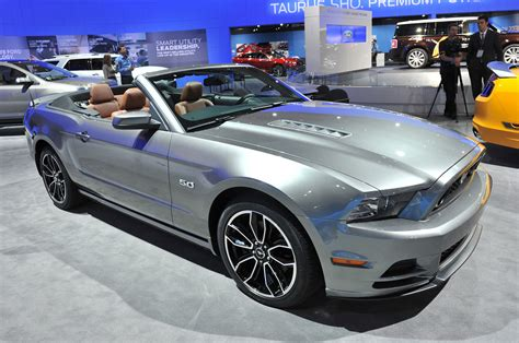 2013 mustang gt photo gallery 2013 ford mustang gt at the l a auto show
