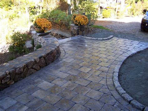 Paver Patio Walkway Raised Edge For Around Bay Windows Paver Patio Ideas Diy
