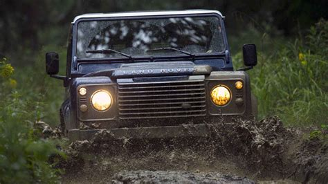 defender land rover off road wallpaper land rover defender off road wallpapers