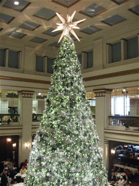 walnut room hours tree in the walnut room picture of macy s on state chicago tripadvisor