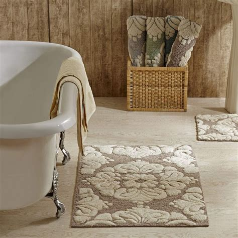 Bathroom Rugs Cheap Best 25 Cheap Bathroom Flooring Ideas On Cheap Flooring Ideas Diy Diy Shower And Diy