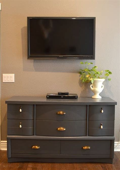 diy dresser makeover used a graco paint sprayer to