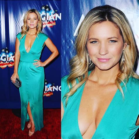 whos leaving blue bloods blue bloods vanessa ray