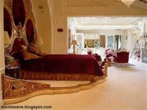 Srk Home Interior Shahrukh Khan Golden House In Dubai Youtube