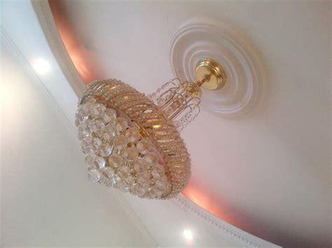 apliques que significa rosetones o apliques plafon para laras de techo