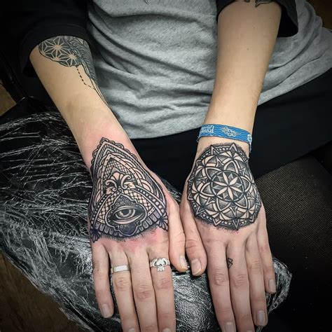 eye and mandala mehendi hand tattoos best tattoo ideas