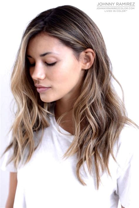 hairstyle that is light on top and dark on bottom best 25 mid length hair ideas on pinterest medium hair
