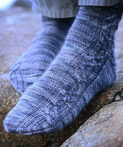 pattern hunter socks knitting cable and knit socks on pinterest