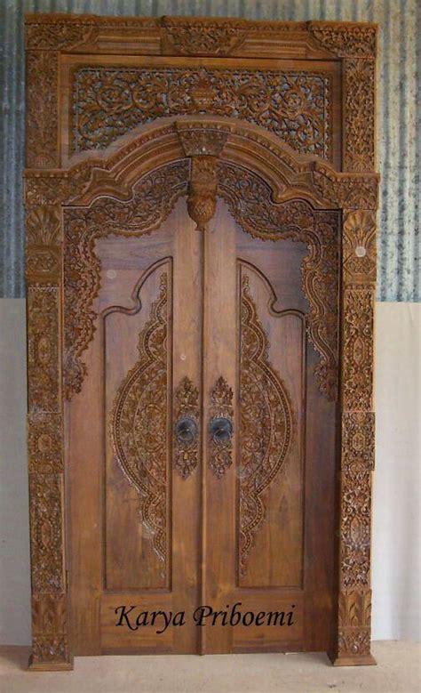 aplikasi kayu jati pada furniture rumah d sign pintu gebyok ukiran jepara