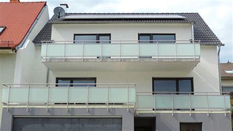holzgeländer balkon balkon edelstahl glas home interior minimalistisch www