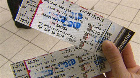 pink fan tickets dozens of pink fans scammed by tickets 171 cbs boston