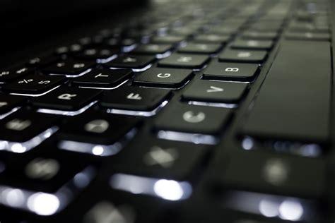 Keyboard Komputer Untuk Laptop gambar laptop mengetik keyboard teknologi jumlah kantor alat bisnis hitam fon
