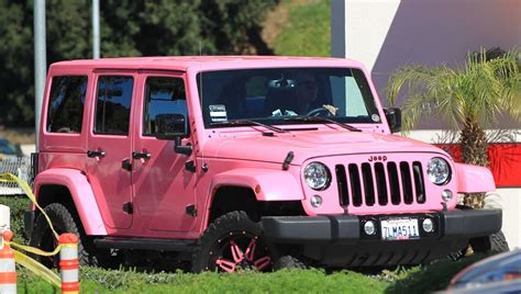 amber rose jeep amber rose in her pink jeep driving around in los angeles