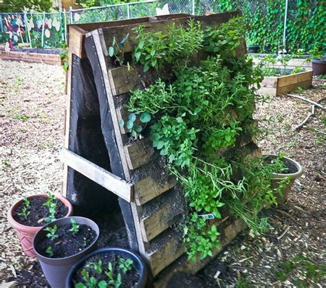 Vertical Garden Made From Pallets Pallet Vertical Garden 16 Do It Yourself Ideas Wooden