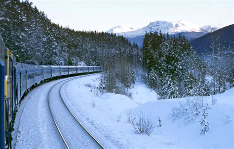 Winter Canadian Train Tours   Canadian Train Vacations