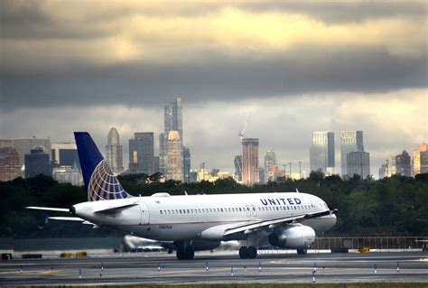 united airlines in yet another customer service united airlines domestic flights grounded after computer