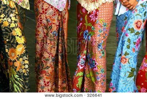 Est Kebaya Kartini Motif Sadum kebaya images illustrations vectors kebaya stock photos images bigstock
