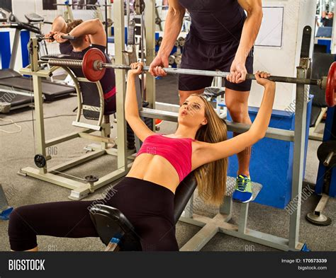 bench press for girls man bench presses woman benches