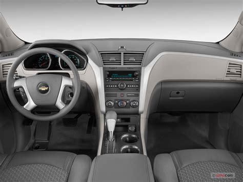 chevrolet traverse prices reviews  pictures