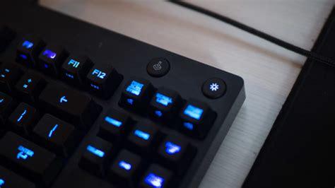 Logitech Gpro Mouse Gpro Keyboard Free G Hoddie Garansi Resmi 2 Thn tastjera e re e logitech krokodili al