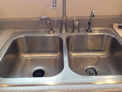 Are Natural Cleaning Products As Effective As Those With Kitchen Sink Germs