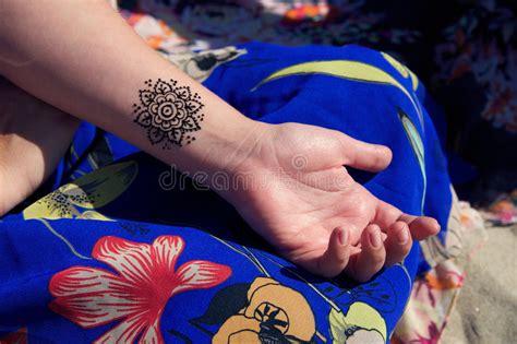 henna tattoo gießen henna mehendy on mandala stock photo image