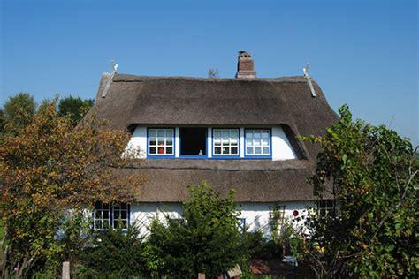 Kleines Reetdachhaus Kaufen by Idyllisches Kleines Reetdachhaus Direkt Am Elbdeich