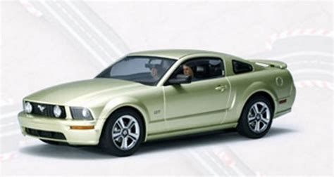Ford Mustang Autoart by Autoart Ford Mustang Gt 2005 Legend Lime Ebay
