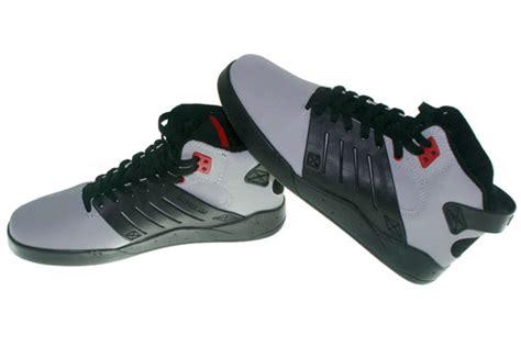 Sepatu Assic Onitsuka Hitam Abu gudang sepatu branded supra sepatu kets