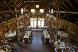 Ingo Table 10 Gorgeous Barn Wedding Receptions