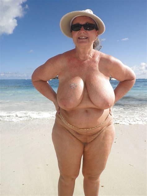 Voluptuous Granny Mature Porn Pics